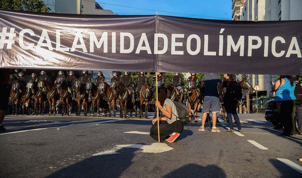 Manifestação contrária a realização das Olimpíadas, no RIo