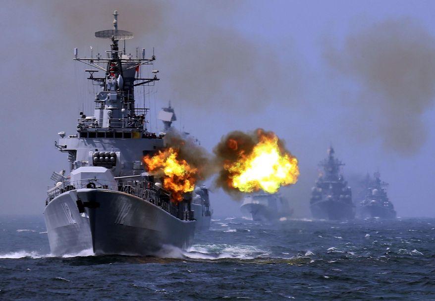 cacciator pediniere cinese durante un esercitazione militare - joint-sea China  Russia.jpg