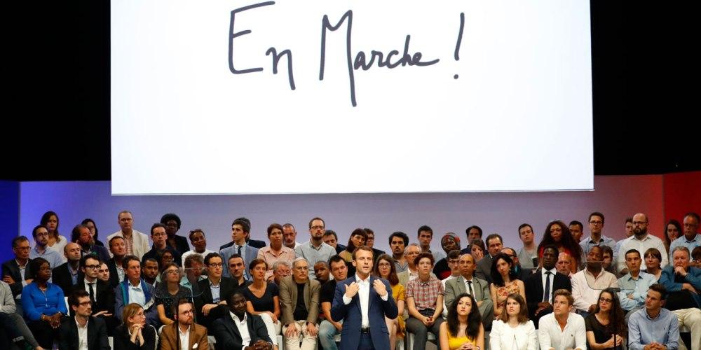Emmanuel-Macron-en-marche-vers-2017.jpg