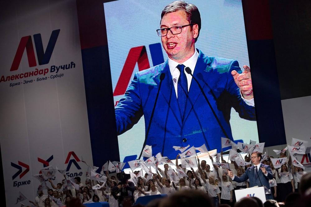 meeting-daleksandar-vucic-premier-ministre-serbe-candidat-election-presidentielle-24-2017-belgrade_0_1398_933